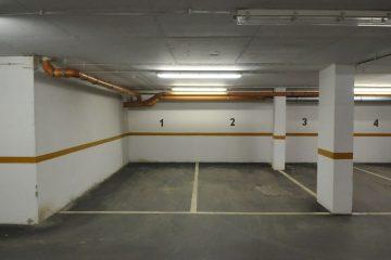 Debrecen, Hal köz - Parking place is for rent in Hal köz