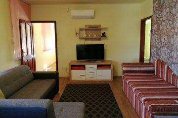Debrecen, Nyugati utca - Spacious flat is for rent in the Center
